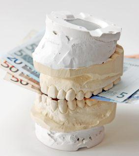 Bezahlbarer Zahnersatz aus Zirkon